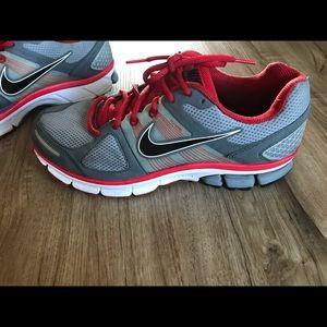 Men's Size 10 Nike Pegasus 28 Fitsole 2 Red & Grey